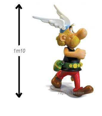 Astérix marchant echelle 1