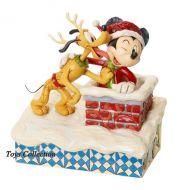 mickey-pere-noel-et-pluto-disney-traditions