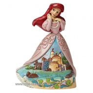 ariel-la-petite-sirene-avec-le-chateau-sur-sa-robe-disney-traditions