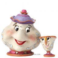 belle-et-la-bete-mme-potts-et-chip-disney-traditions