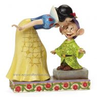 blanche-neige-embrassant-simplet-disney-traditions