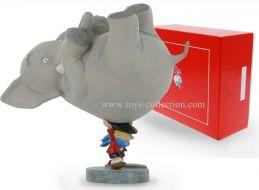 benoit-brisefer-portant-l-elephant-pixi