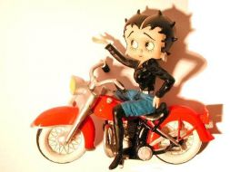 Betty à moto