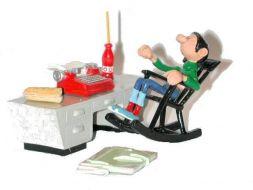 Gaston à son bureau
