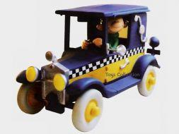 Gaston dans son taxi