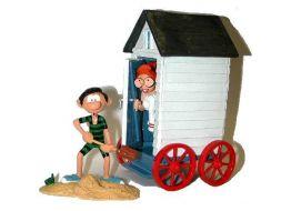 Gaston et Mlle Jeanne sortant de la cabine de plage