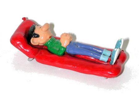Gaston sur le lit de camp (ancien)