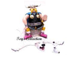 Grossebaf sur son trone et Idéfix