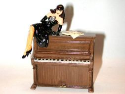 La Pin'up de Berthet sur le Piano