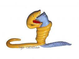 Le serpent boa avalant un fauve