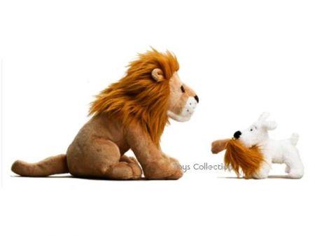Milou et le lion en peluche